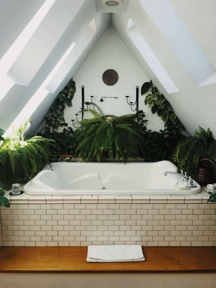 Badzimmer mit Dachschräge